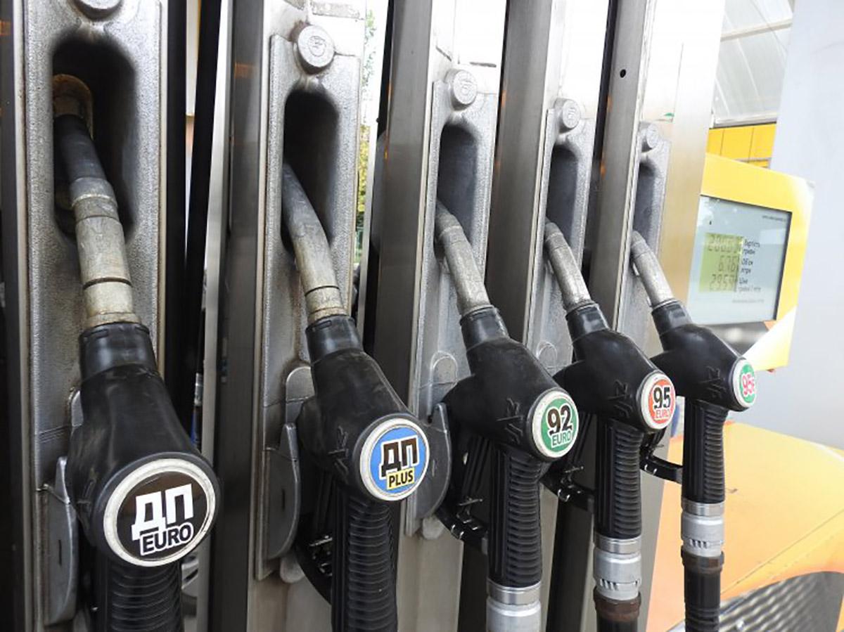 Украина не импортирует из РФ нефть и почти не покупает в этой стране бензин