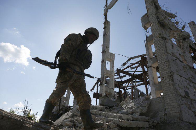 """Боевики готовятся к """"горячей фазе конфликта на Донбассе"""""""
