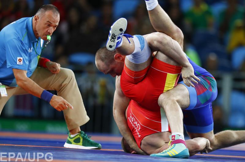 Русский борец Рамонов вышел вчетвертьфинал Олимпиады, Болтукаев— нет