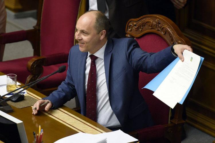 Свидетельством тому, по мнению спикера, является продление санкций Евросоюза против РФ