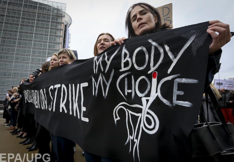 Об абортах высказались украинские политики, церкви и феминистки