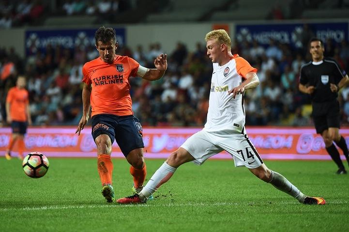 Команда Паулу Фонсеки обыграла турецкий клуб в первом матче плей-офф Лиги Европы