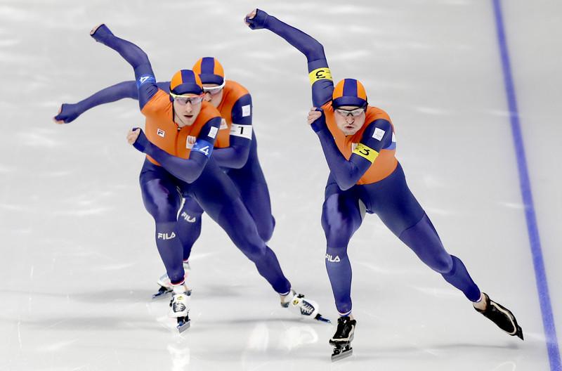 19 февраля в Пхенчхане разыграли 3 комплекта медалей