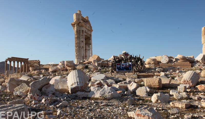 Потеря Пальмиры означает, что российским военным придется задержаться в Сирии