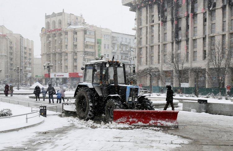 Как в Украине проходит уборка снега на дорогах