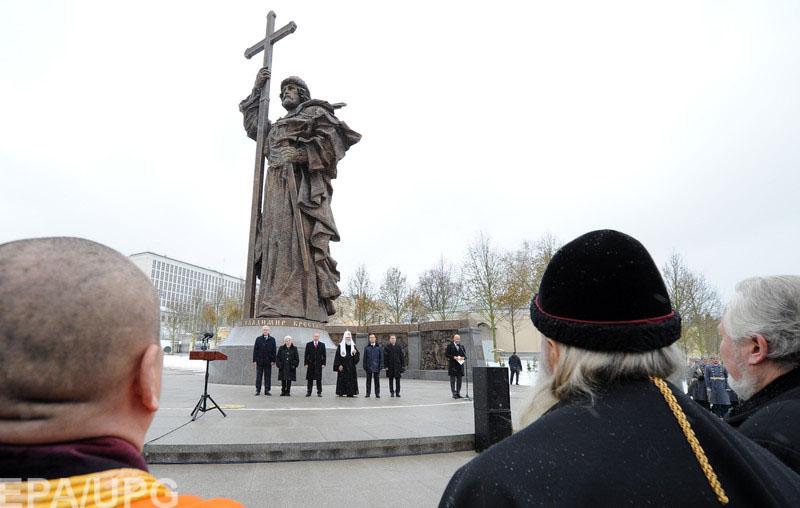 Российский историк рассказал, почему памятник Владимиру в Москве хуже, чем в Киеве