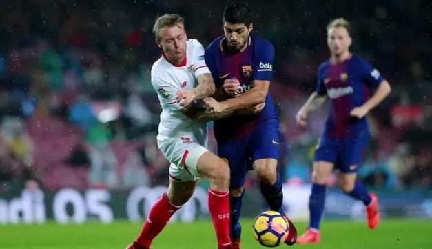 Севилья и Барселона встретились в центральном матче тура чемпионата Испании