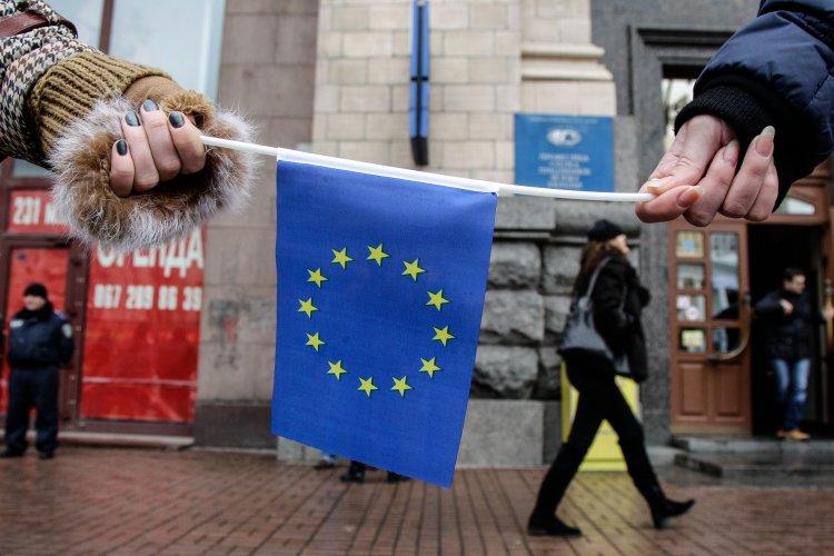 Названо время, раньше которого ЕС точно не предоставит Украине безвизовый режим