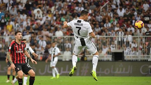 Миланский и туринский клубы провели первый матч за выход в финал турнира
