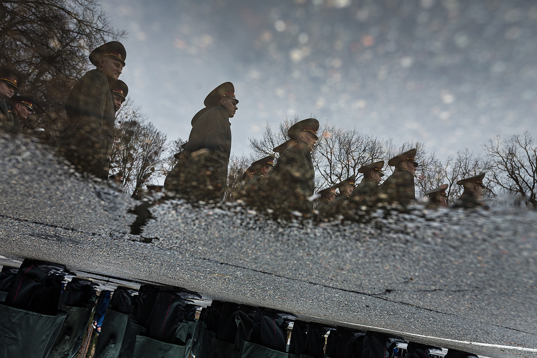 Деньги на армию в бюджете есть: но в основном пойдут они на проедание