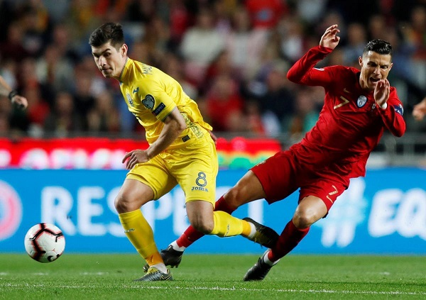Смотреть футбол евро испания португалия онлайнi