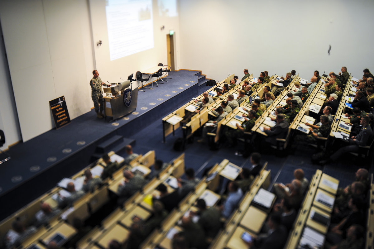 В 2016 году школа Альянса в Обераммергау примет на обучение полсотни украинских офицеров