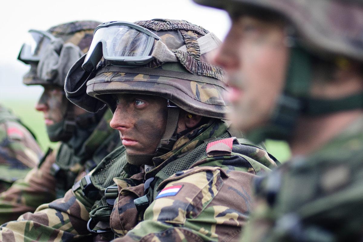 Украина готова допустить на свою территорию вооруженную иностранную мисcию