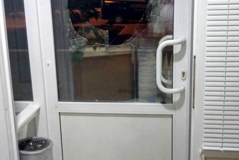 УКраматорську розбили двері вофісі місцевого телеканалу «ДоТБ»