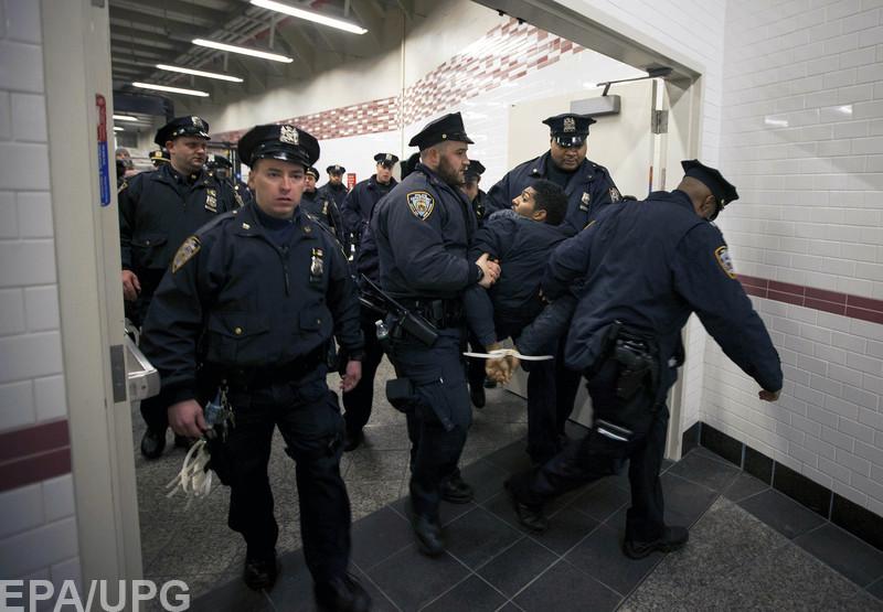 Далеко не во всех странах полиция может открывать огонь в любой момент, когда сочтет нужным