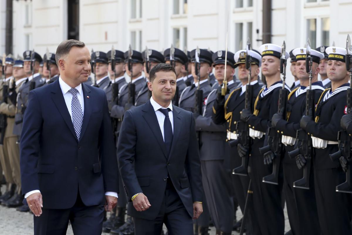Президент пошел на некоторые уступки в Польше