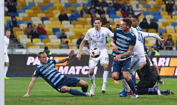 Киевляне и донетчане не выявили победителя в матче 5-го тура чемпионата Украины