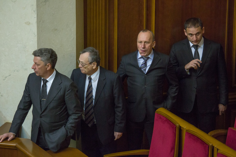 Партия может пополниться несколькими внефракционными народными депутатами