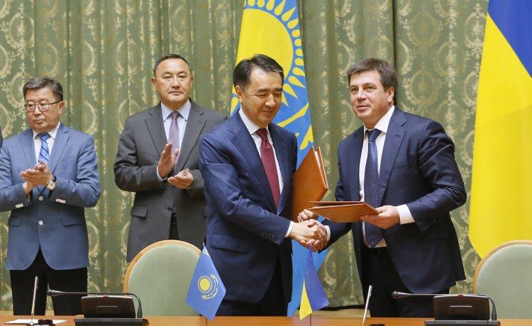 Казахстан отказался ограничивать торговлю с Украиной