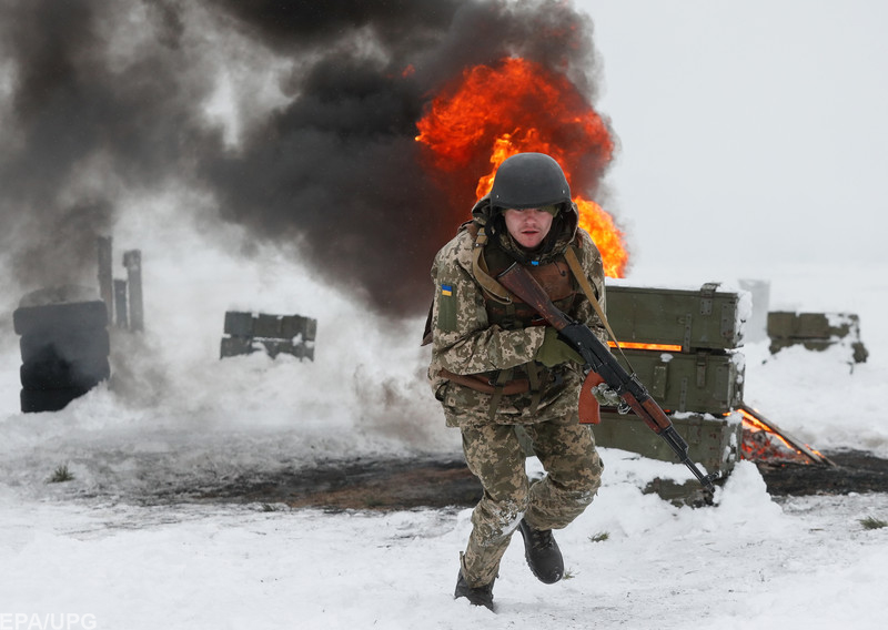 Нужно ли было на самом деле вводить военное положение в Украине?