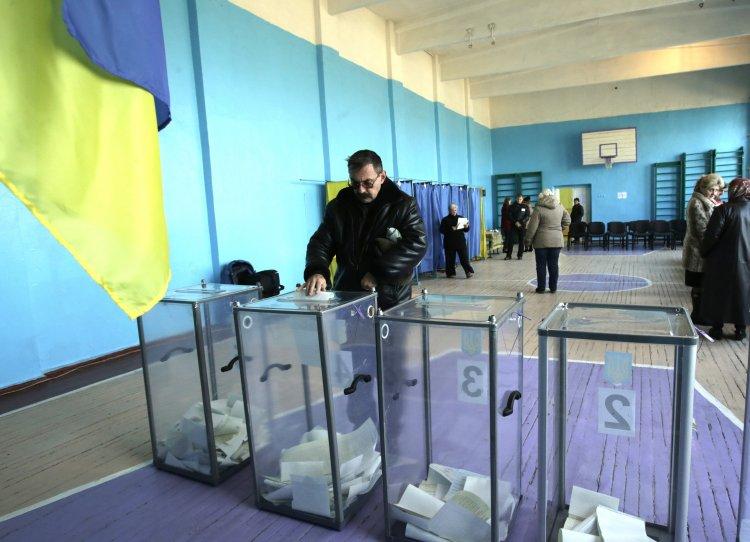 Жители города начали жить в московском часовом поясе и забыли о выборах