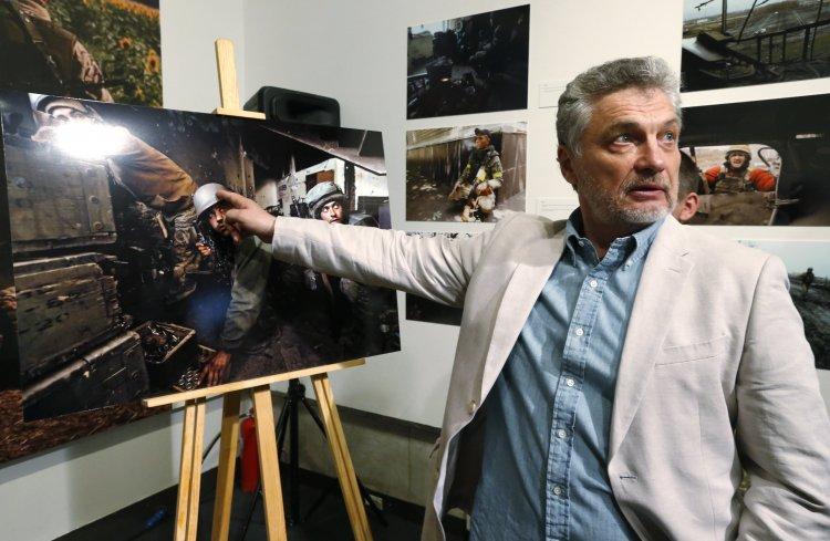 """Создатель книги о """"киборгах"""" о своем отношении к ситуации в Украине"""