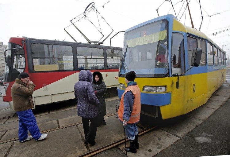 Сотрудники столичных трамвайных депо объявили бессрочную забастовку из-за долгов по зарплате