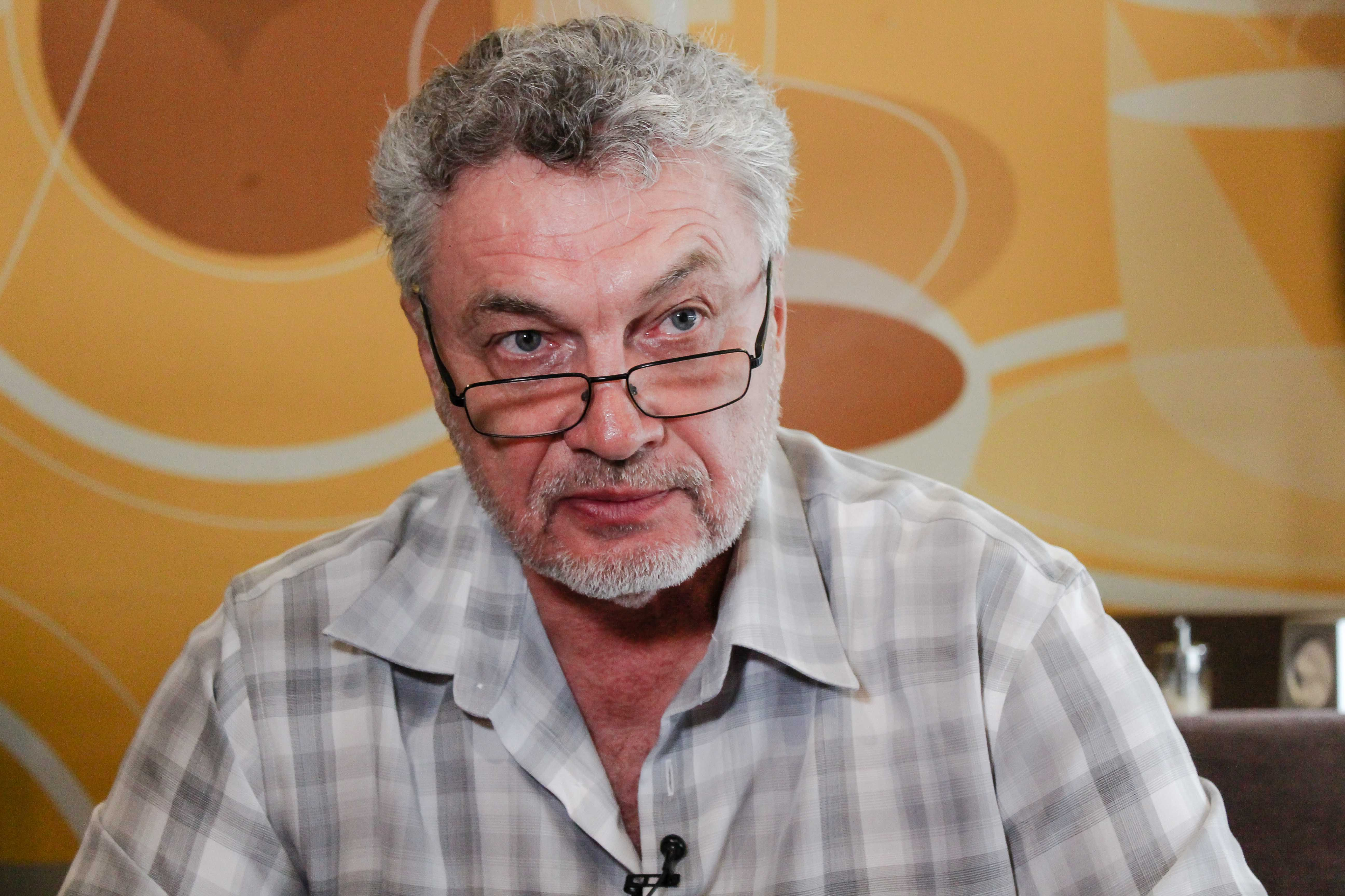 Военный корреспондент и писатель Сергей Лойко рассказал о своем новом романе, посвященном войне на Донбассе