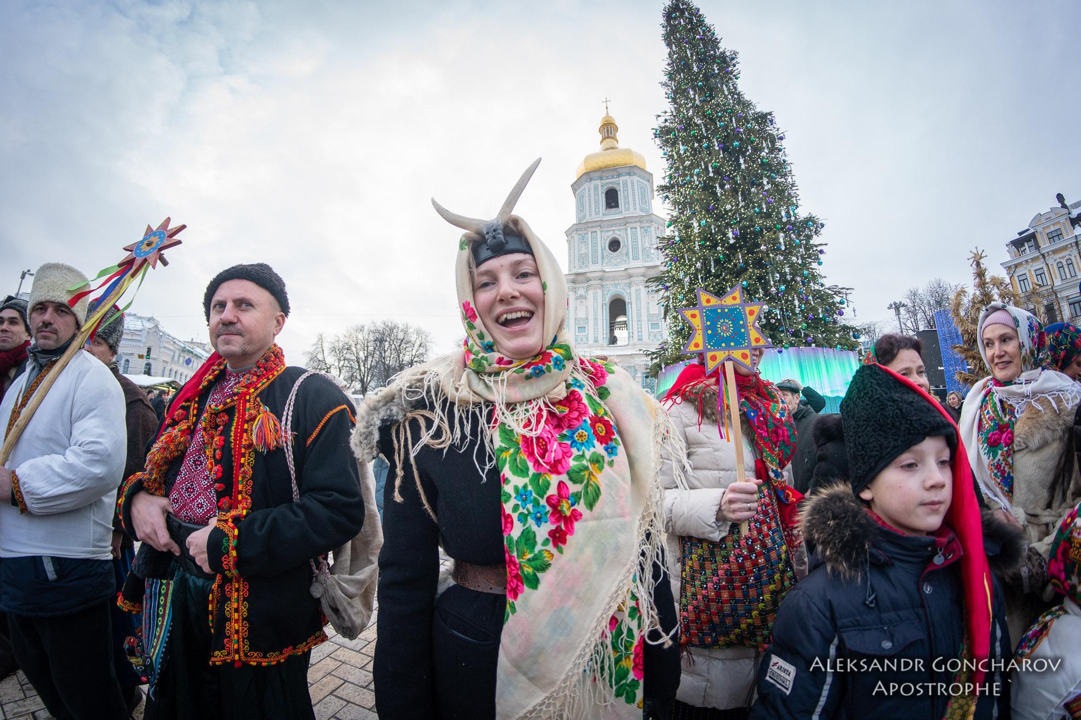 Маланка 2019 - В центре Киева пели щедривки - Апостроф