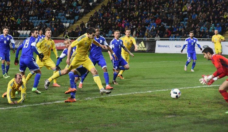 Матчем в Одессе подопечные Михаила Фоменко начали подготовку к Евро-2016