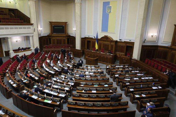 Эксперты прогнозируют горячие дни в украинском парламенте
