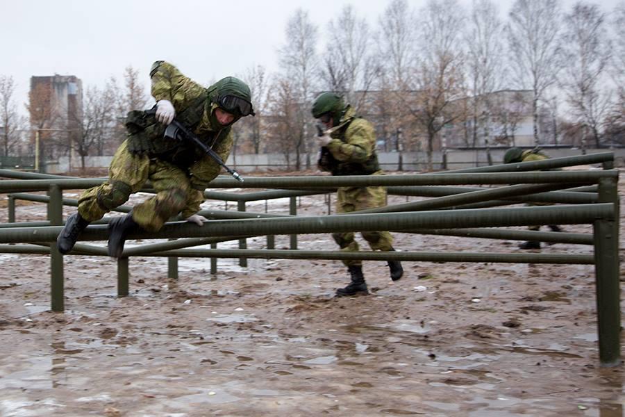 """Военный эксперт Юрий Карин пояснил """"Апострофу"""", почему Россия проводит учения у границ с Украиной"""