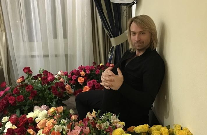 Фото свадебных тортов 2017 из мастики и капкейков 71