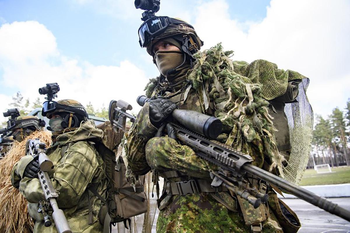 За последние годы Нацгвардия пополнилась танками, вертолетами и оружием