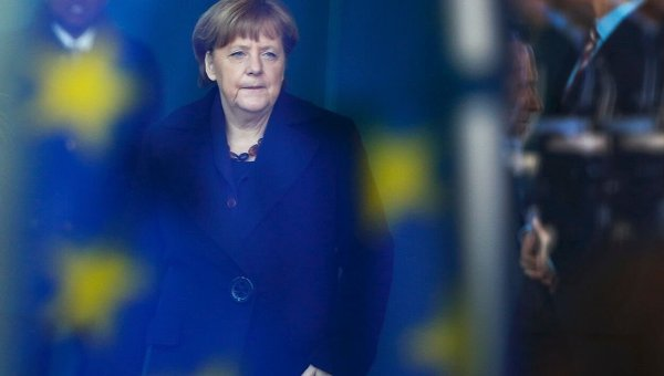 Евросоюз слишком медленно реагирует на события в Украине, а Германия может оказать стране лишь политическую поддержку