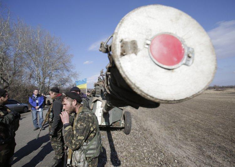 Боевые действия на Донбассе могут поставить под угрозу поступление кредитов из МВФ