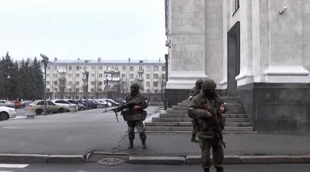 Военный обозреватель Юрий Карин о переделе власти в Луганске