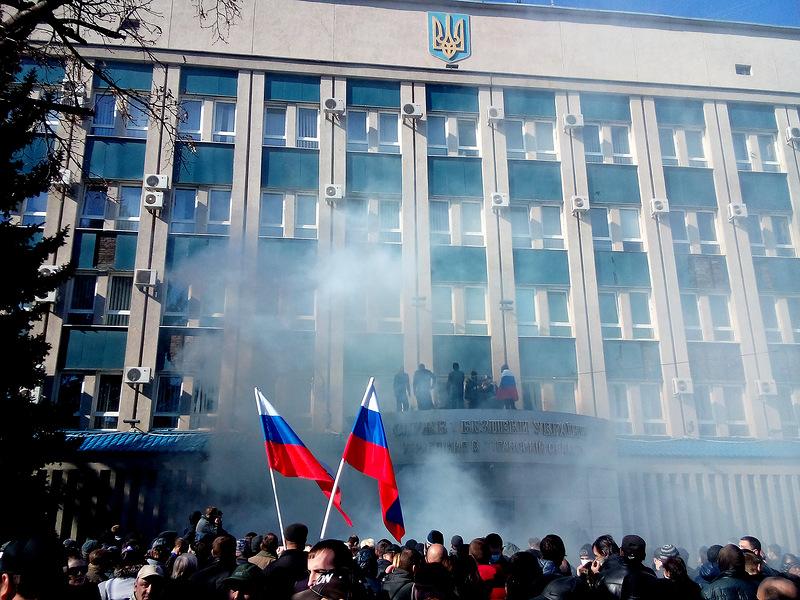 Стали відомі нові подробиці захоплення Луганського УСБУ 6 квітня 2014 року