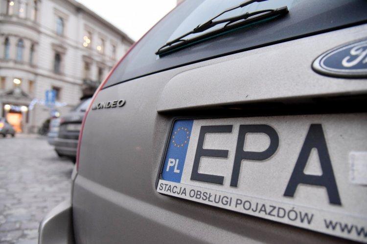 """Что будет с ценами и какие штрафы грозят за машины на """"евробляхах"""""""