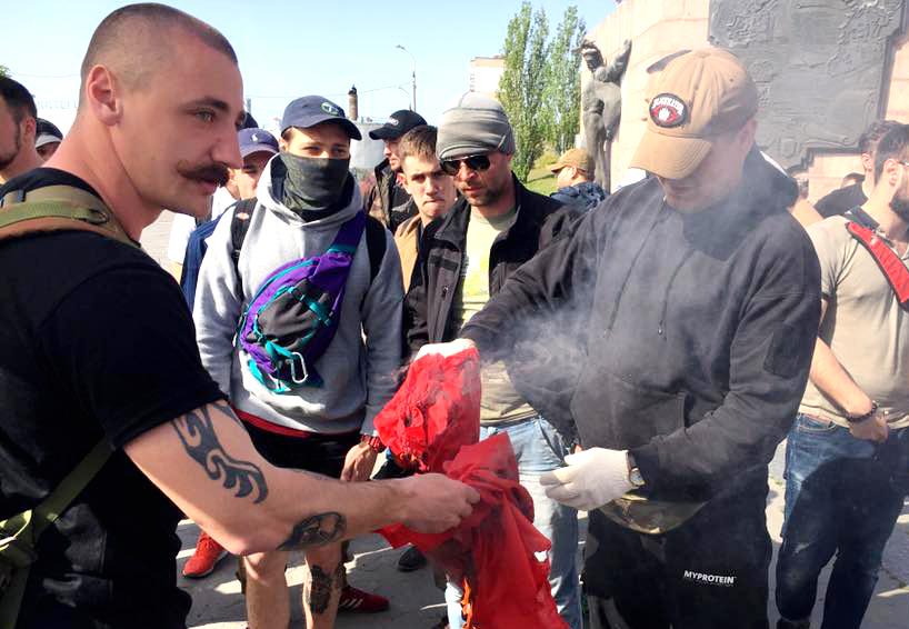 Вукраинской Виннице научастников первомайского митинга напали националисты