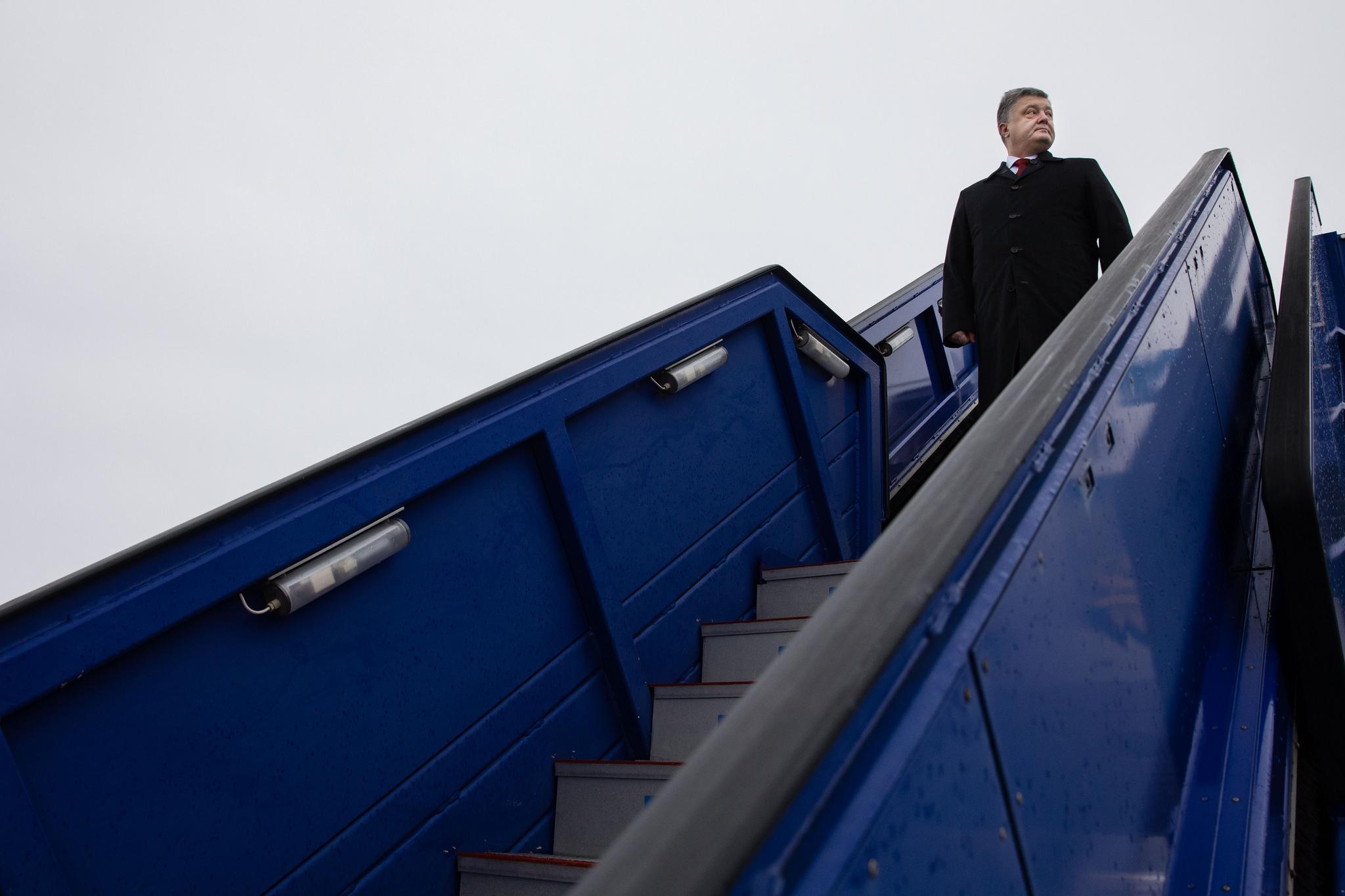 Порошенко назвал поставки русского газа гибридной войной 08июня 2017 13:55