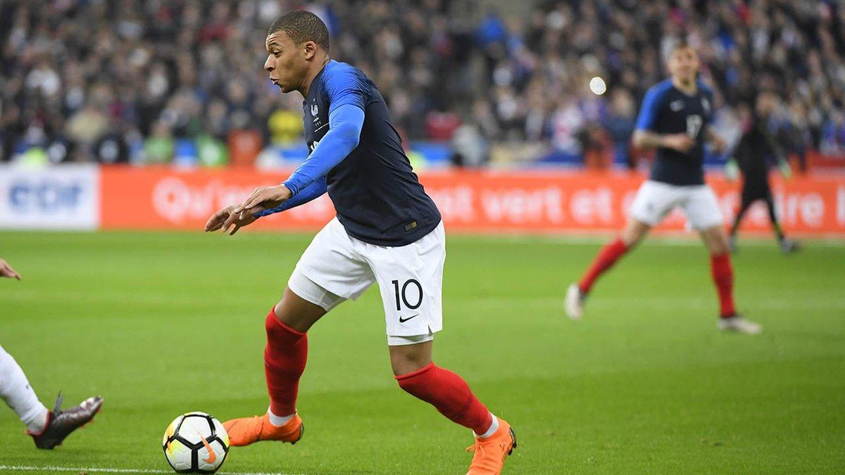Во втором туре ЧМ-2018 встречались Франция и Перу