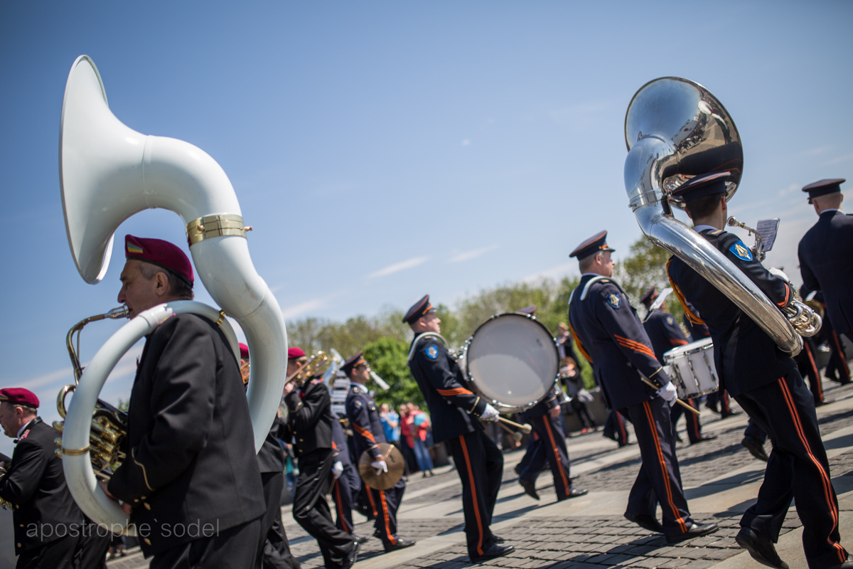 По столице прошлись военные оркестры