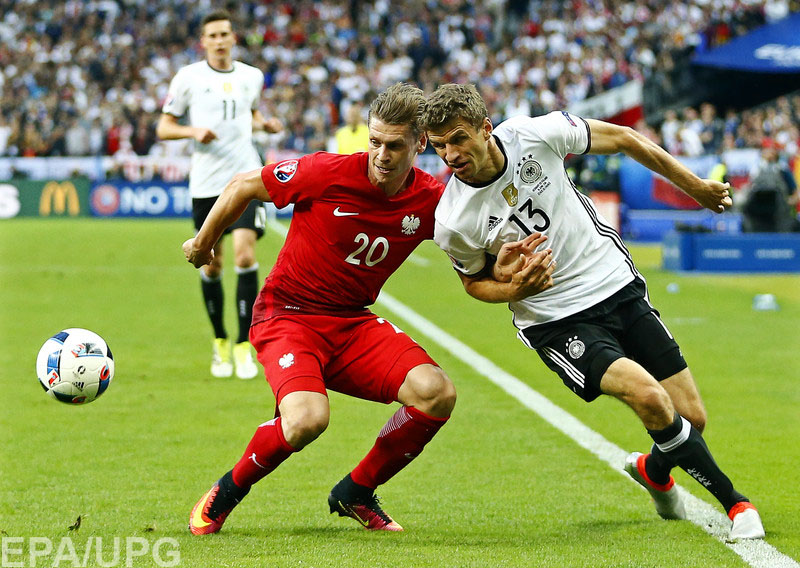 Ничья в матче между сборными Германии и Польши окончательно лишила Украину шансов на выход в плей-офф