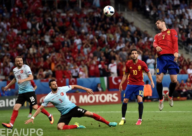 Испанцы обеспечили себе участие в 1/8 финала чемпионата Европы