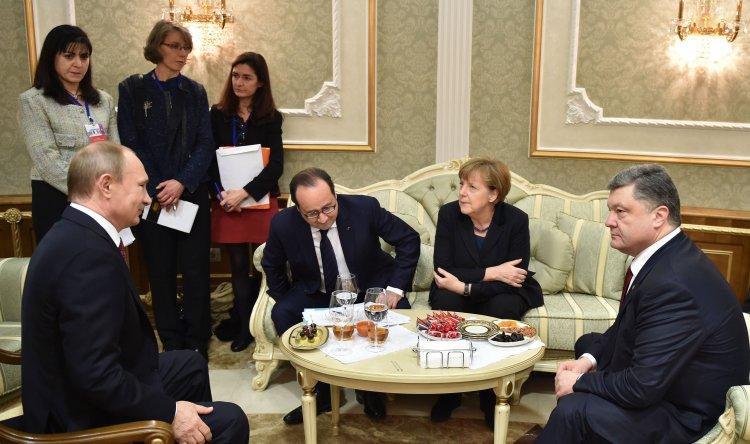 Москва готова заморозить конфликт в обмен на децентрализацию, закрепленную в Конституции Украины