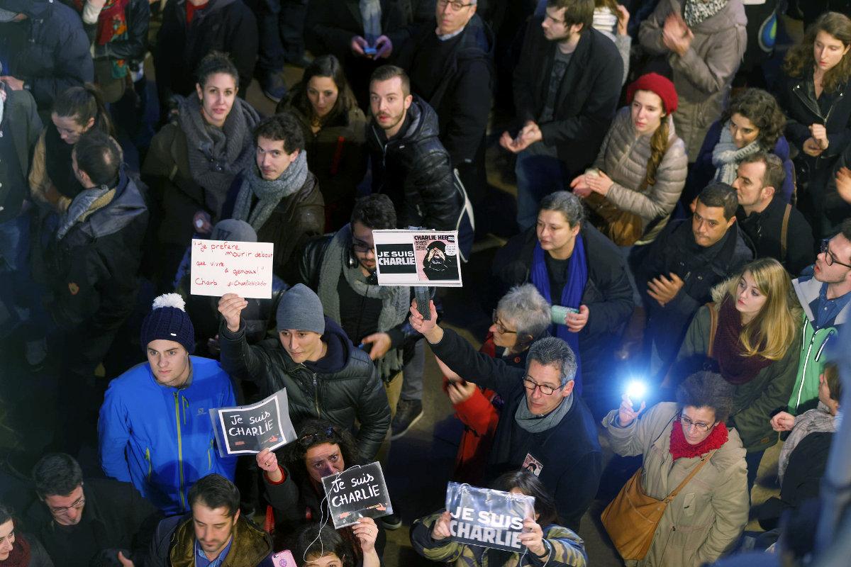 В мире бурно обсуждается нападение на редакцию французского сатирического журнала Charlie Hebdo