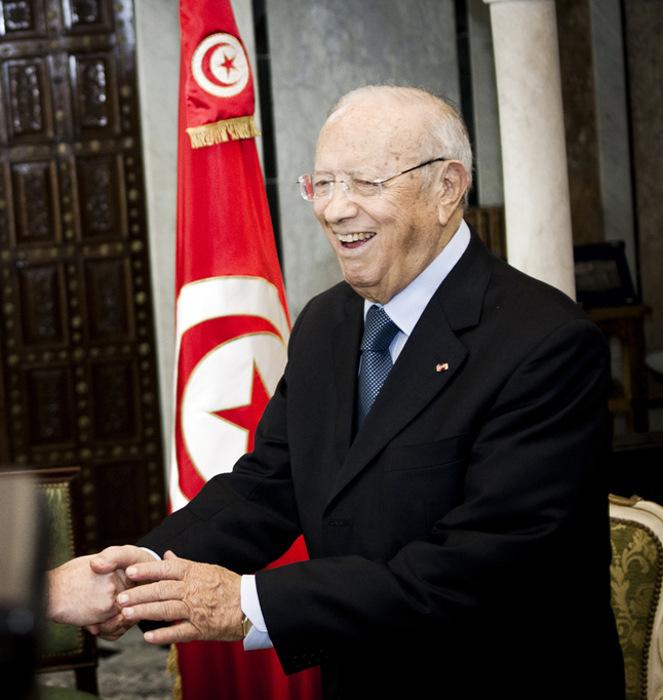 Бывший премьер-министр Туниса Каид Эс-Себси избран президентом страны