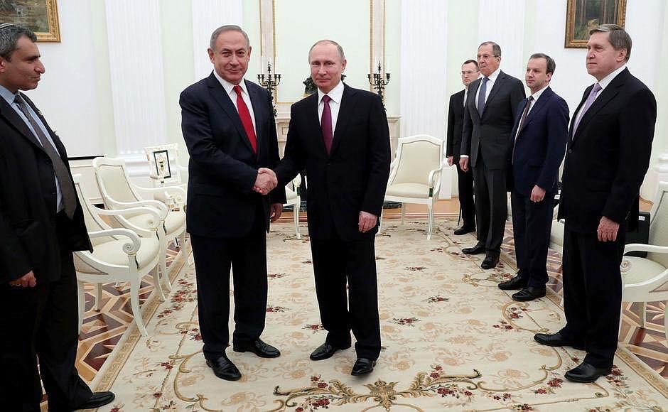 Росія робить все, щоб отримати можливість для маневру в Криму і Чорному морі