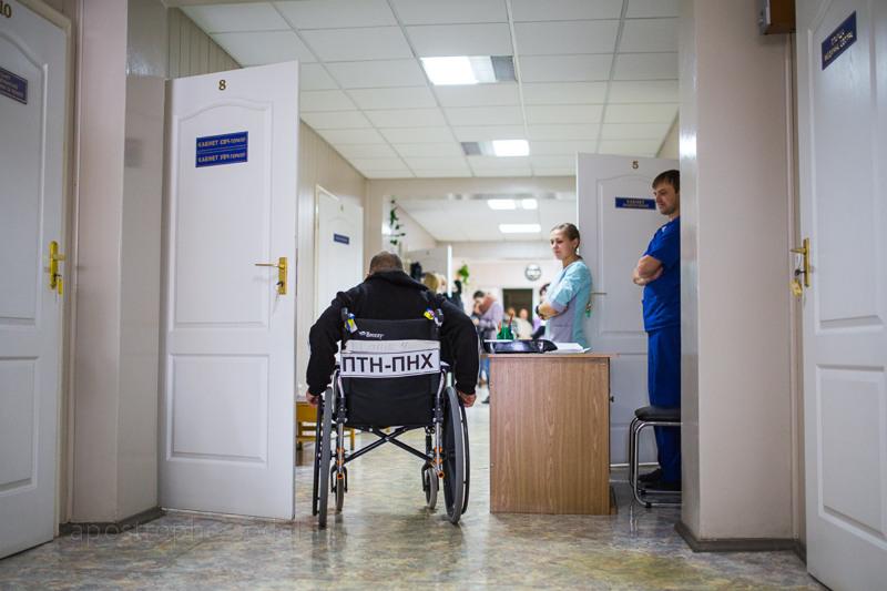 В киевский военный госпиталь прибыла самая большая с начала этого года группа раненых из зоны боевых действий